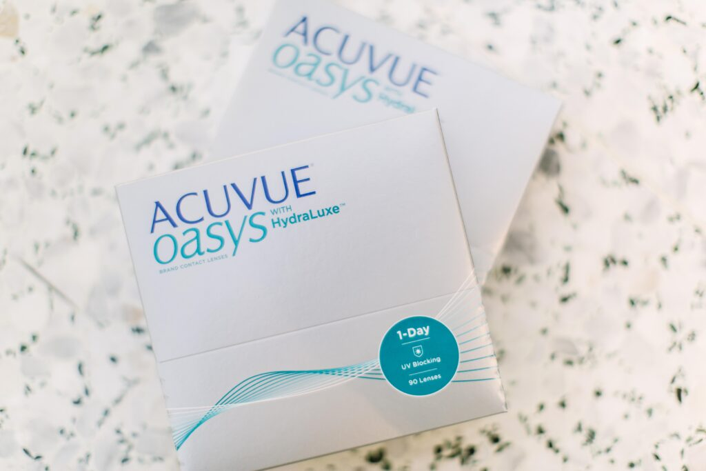 2 boxes of Acuvue Oasys contact lenses